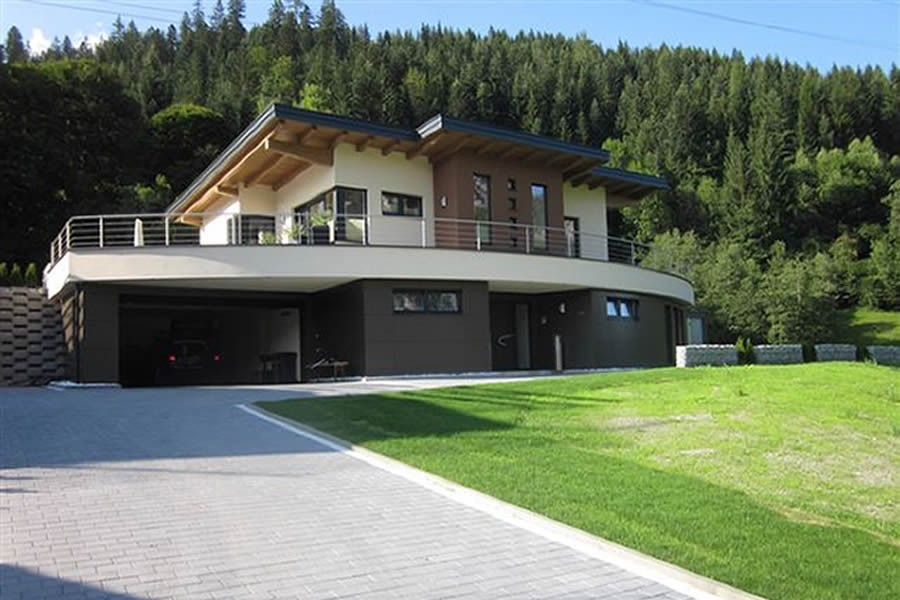 Modern country house radstadt salzburgerland alpreal for Modern country homes
